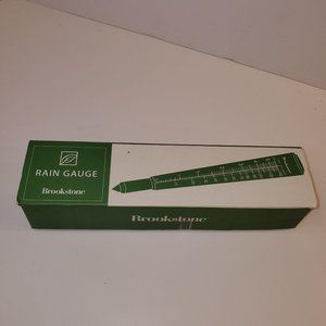 Brookstone Rain Gauge for 5.5in of Rain for fence